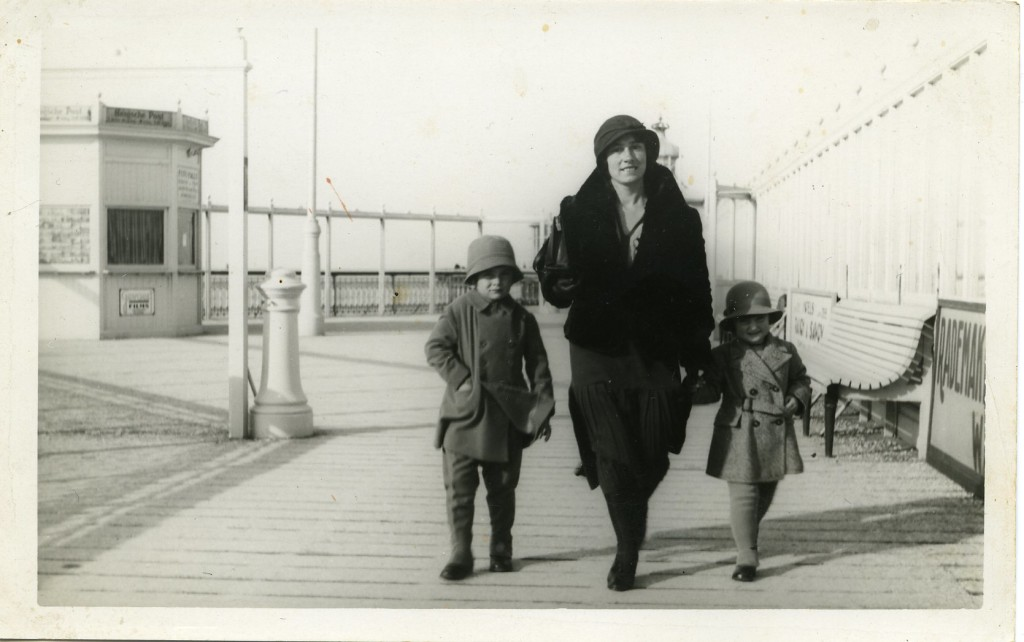 1932-11-01-Pier1